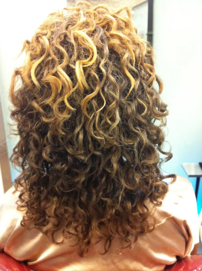 How To Fight Frizz On Natural Hair